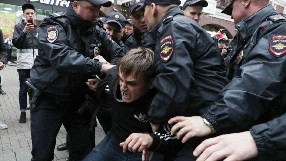 К разгонам протестов в Москве хотят привлечь боевиков с Донбасса