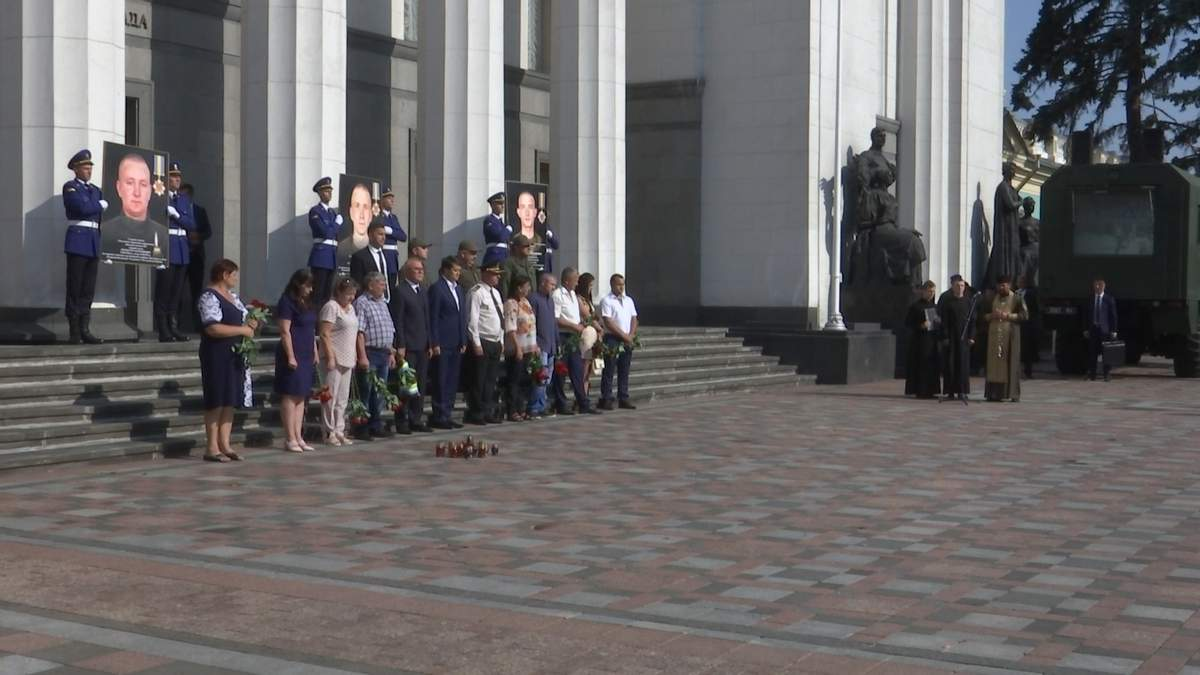 У Києві вшанували пам'ять нацгвардійців, які загинули від вибуху гранати: фото та відео