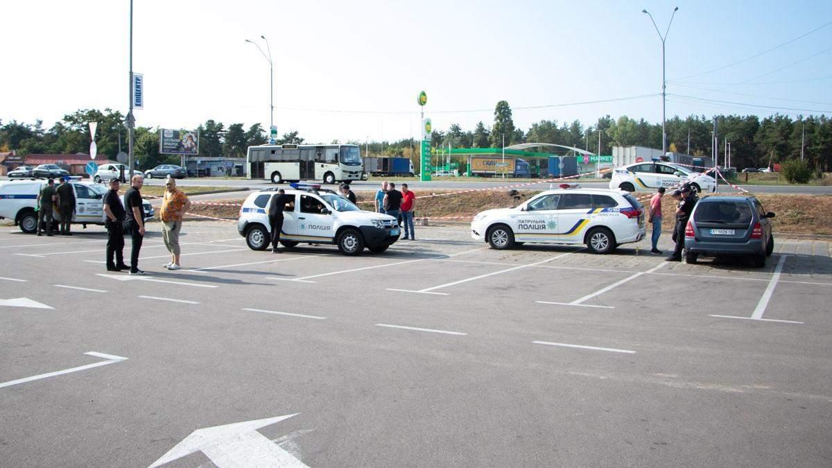 У Києві затримали невідомого іноземця з арсеналом зброї у сумці