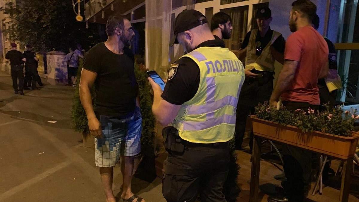 Конфликт в киевском кафе закончился потасовкой и выстрелами: видео