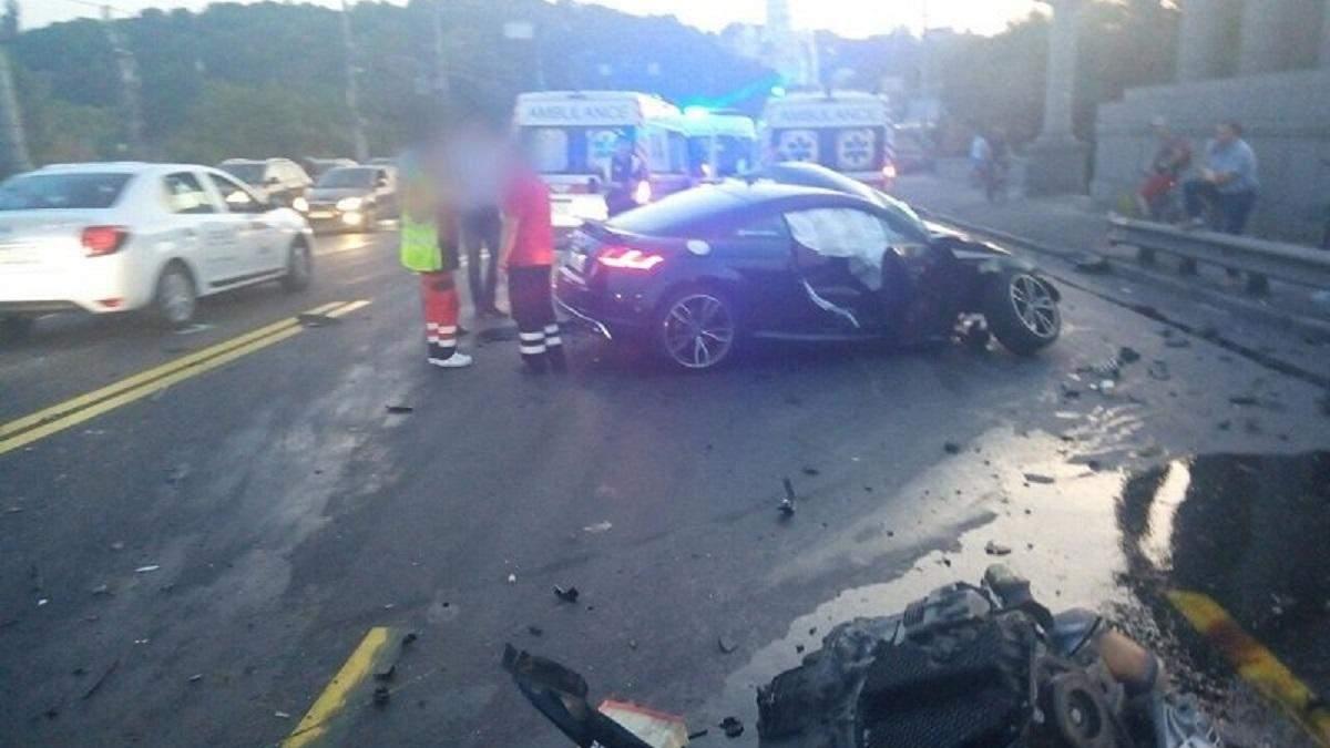 ДТП Київ міст Патона – відео аварії з камер спостереження, фото