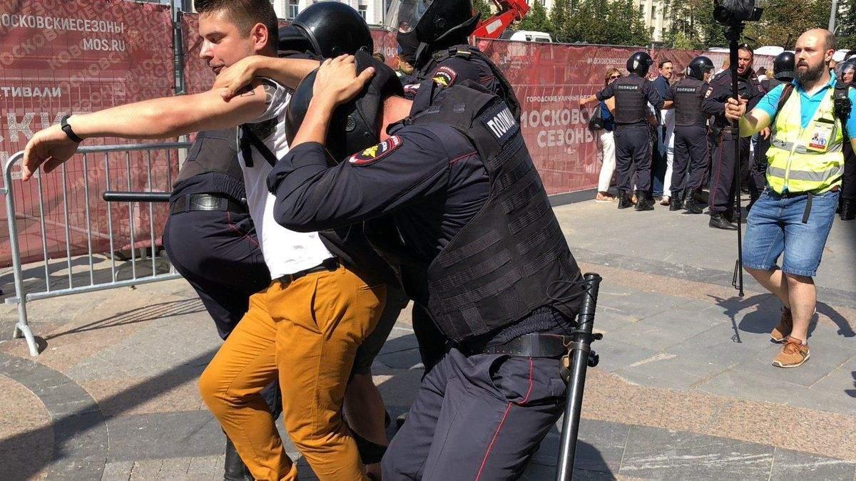 Еще один участник митинга в Москве получил 2 года колонии
