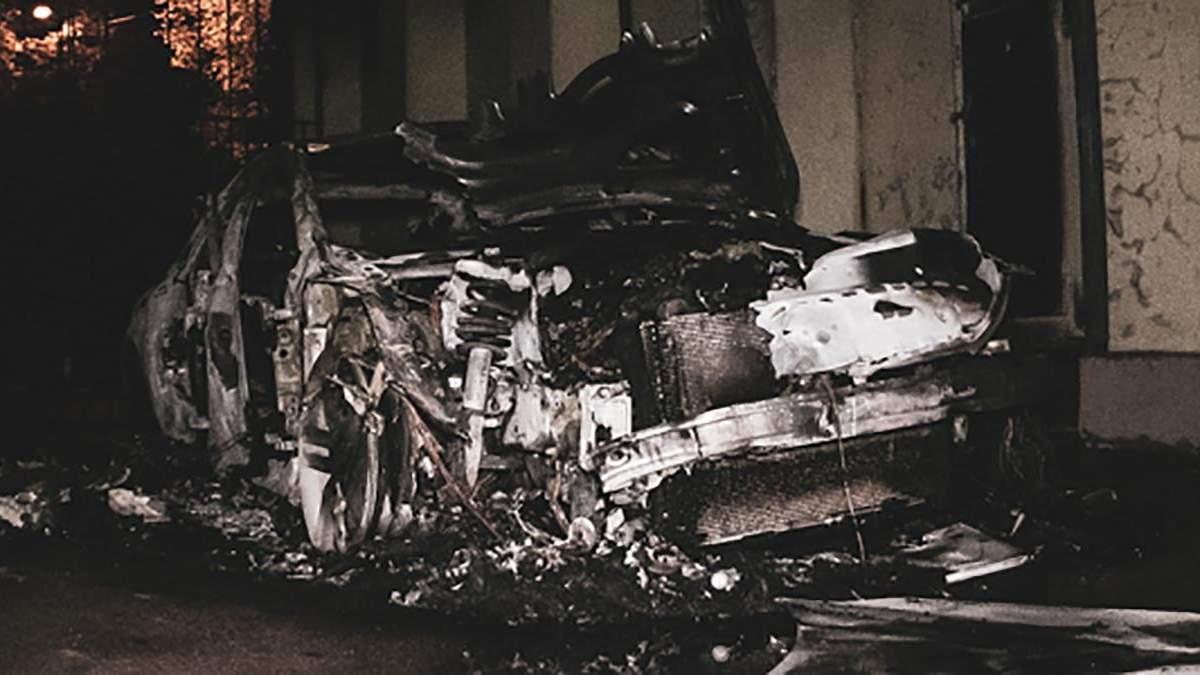 Авто невістки Гонтаревої спалили у Києві: фото, відео
