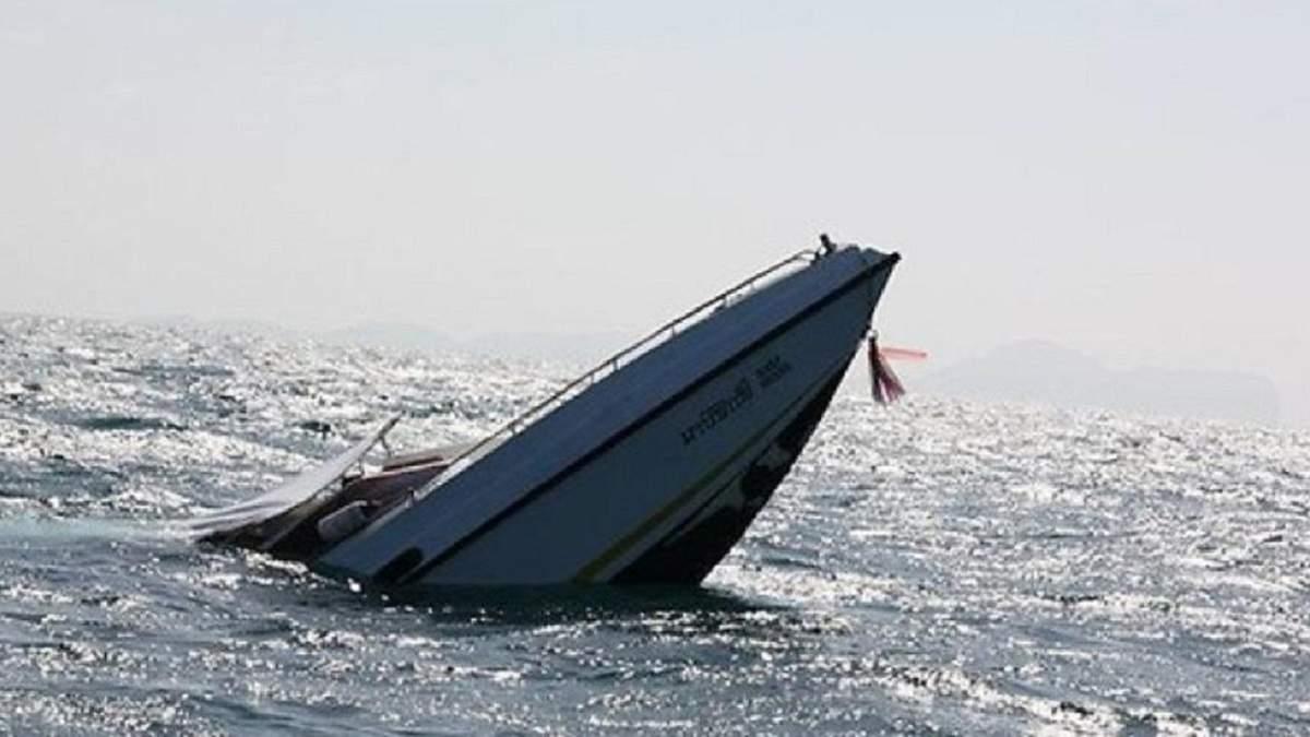 Під окупованим Кримом затонув прогулянковий човен