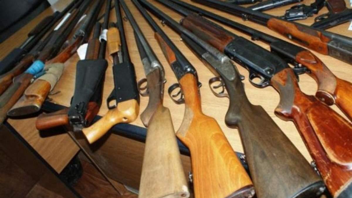 Зеленський певен, що запровадження вільного обігу зброї передчасне
