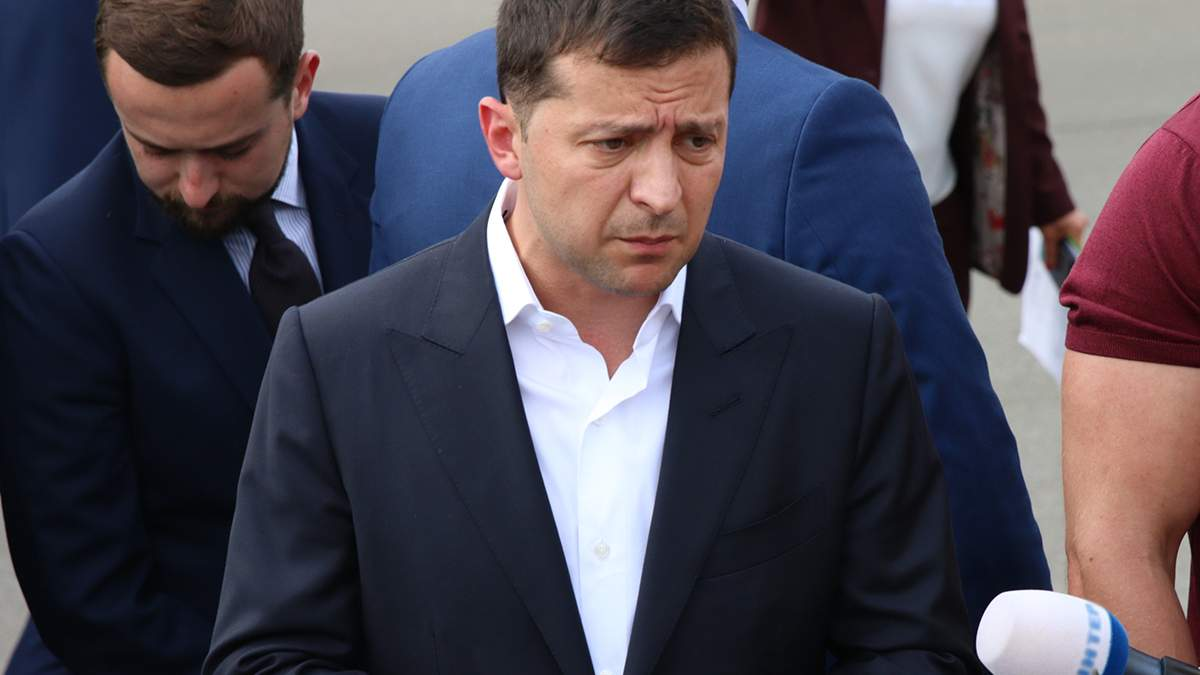 Зеленский заявил о планах быстро вернуть из плена крымских татар