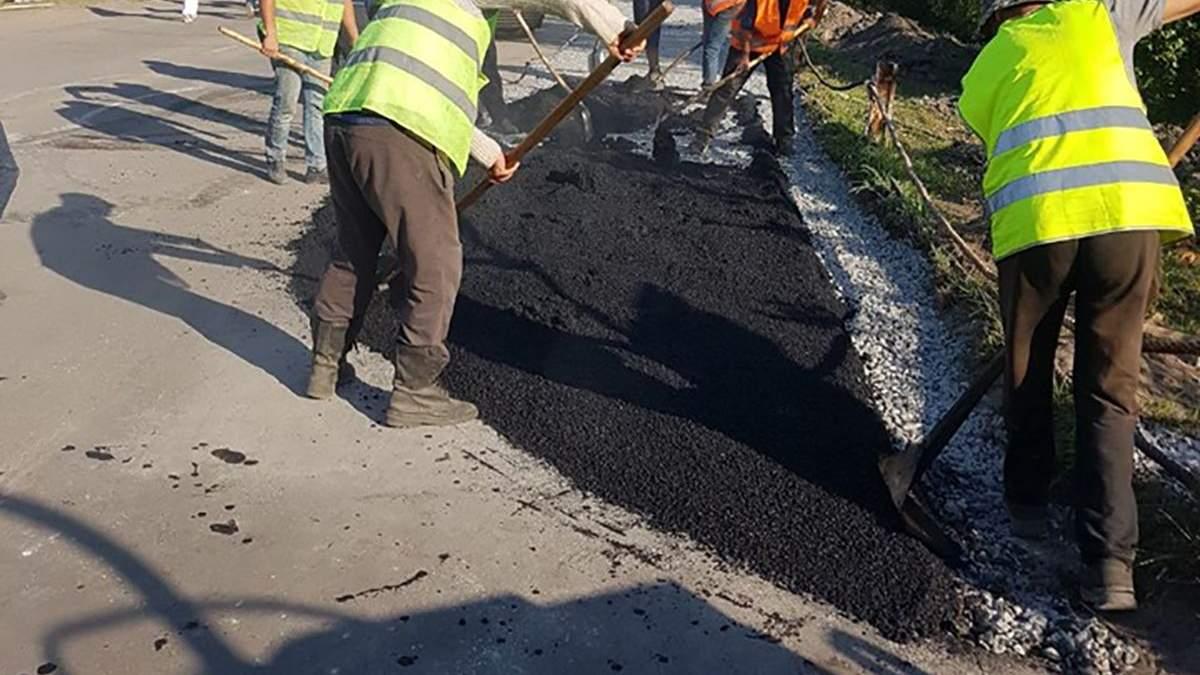 У Станиці Луганській розширюють дорогу від КПВВ до зруйнованого мосту