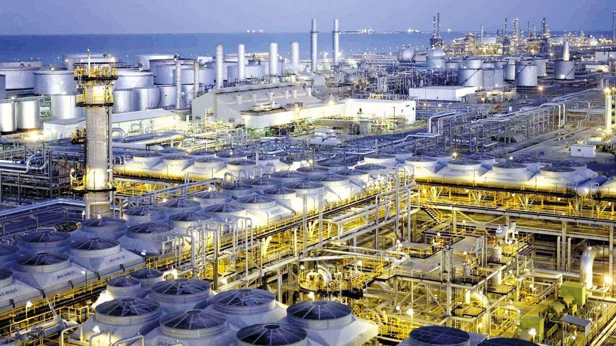 Трамп позволил открыть стратегические запасы нефти после атаки на саудовские НПЗ