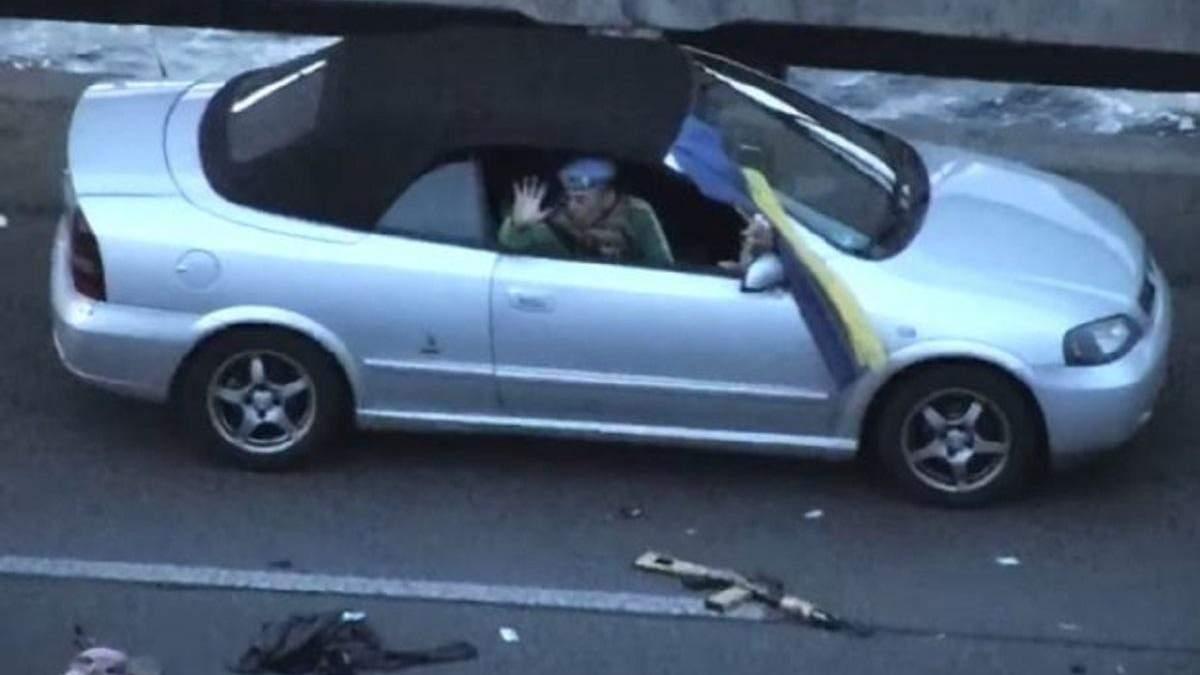 Правоохоронці допитали мінера моста у Києві: відео допиту