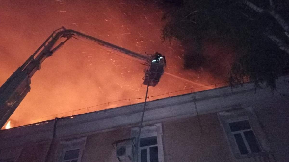 Пожежа у військовому госпіталі в Луцьку: відома попередня причина масштабного займання