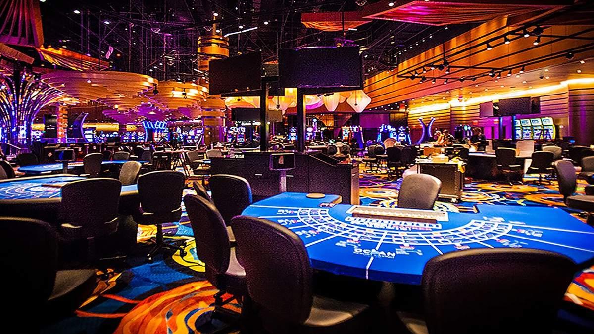 Земля под казино онлайн покер калькулятор скачать