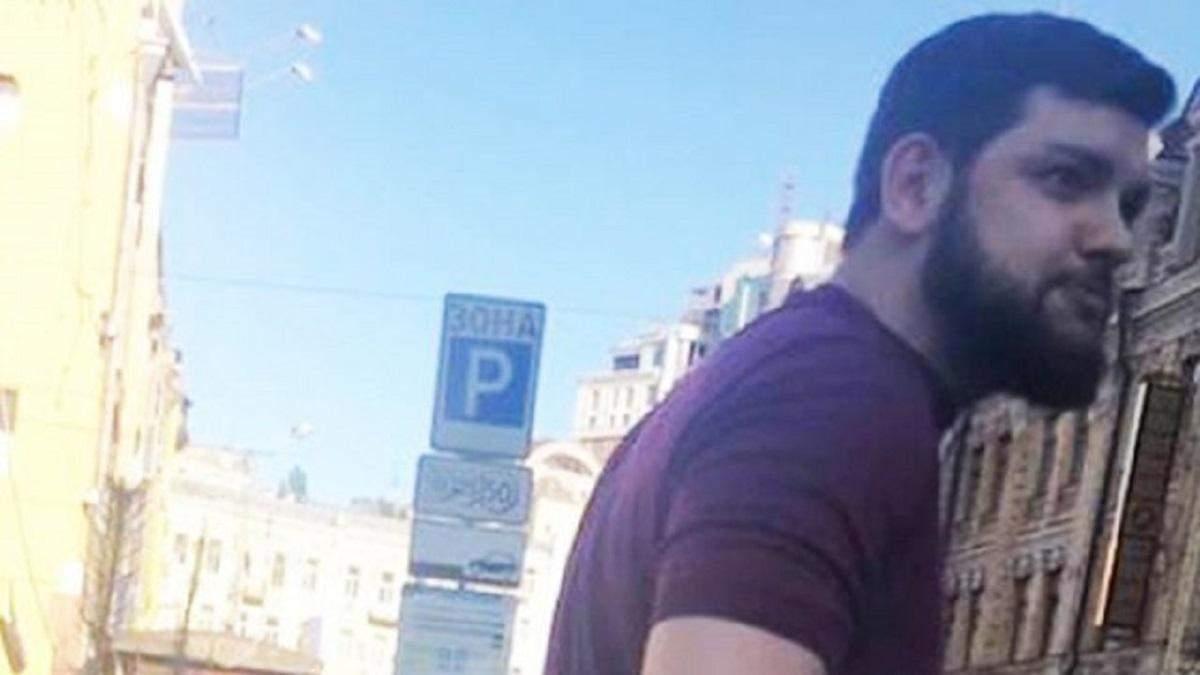 Суд відправив нападника на Мустафу Найєма під домашній арешт