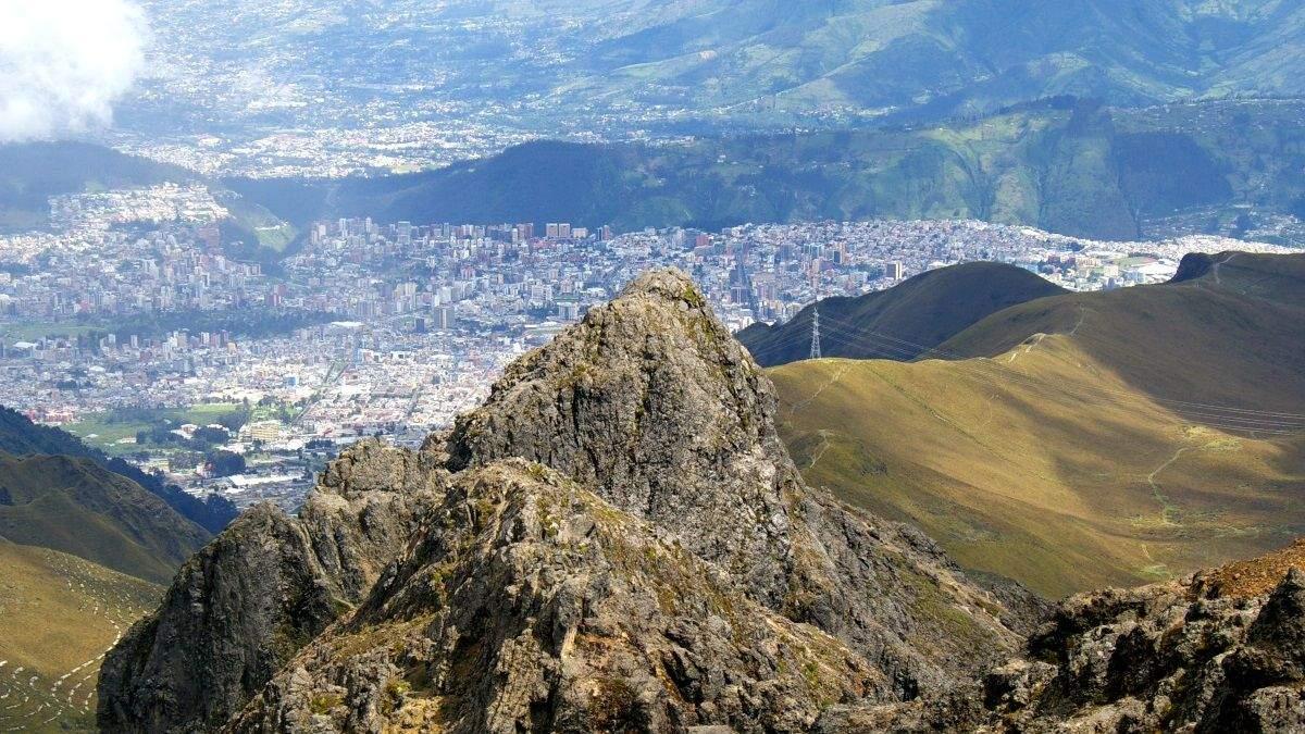 Украина и Эквадор заключили соглашение о безвизовых