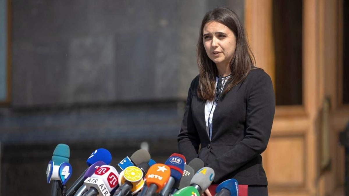Журналісти розповіли про нові випадки скандальної поведінки Мендель