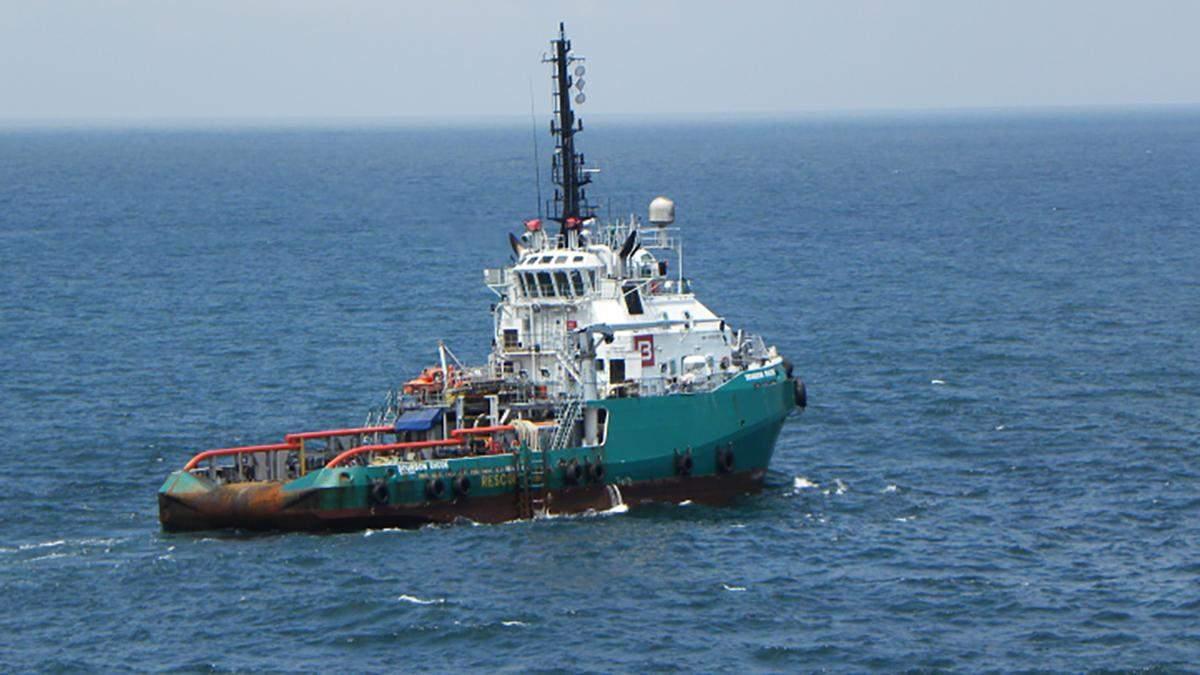 Двох українців врятували з судна Bourbon Rhode