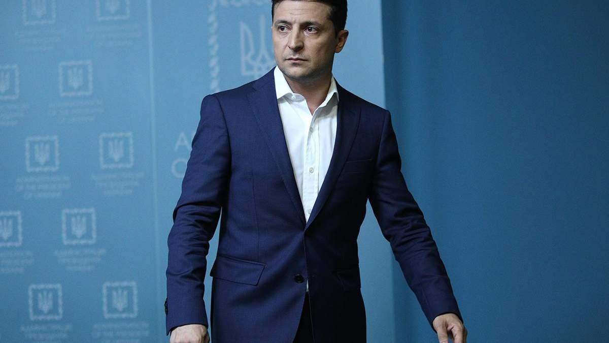 """Зеленський прийшов на засідання фракції """"Слуга народу"""""""