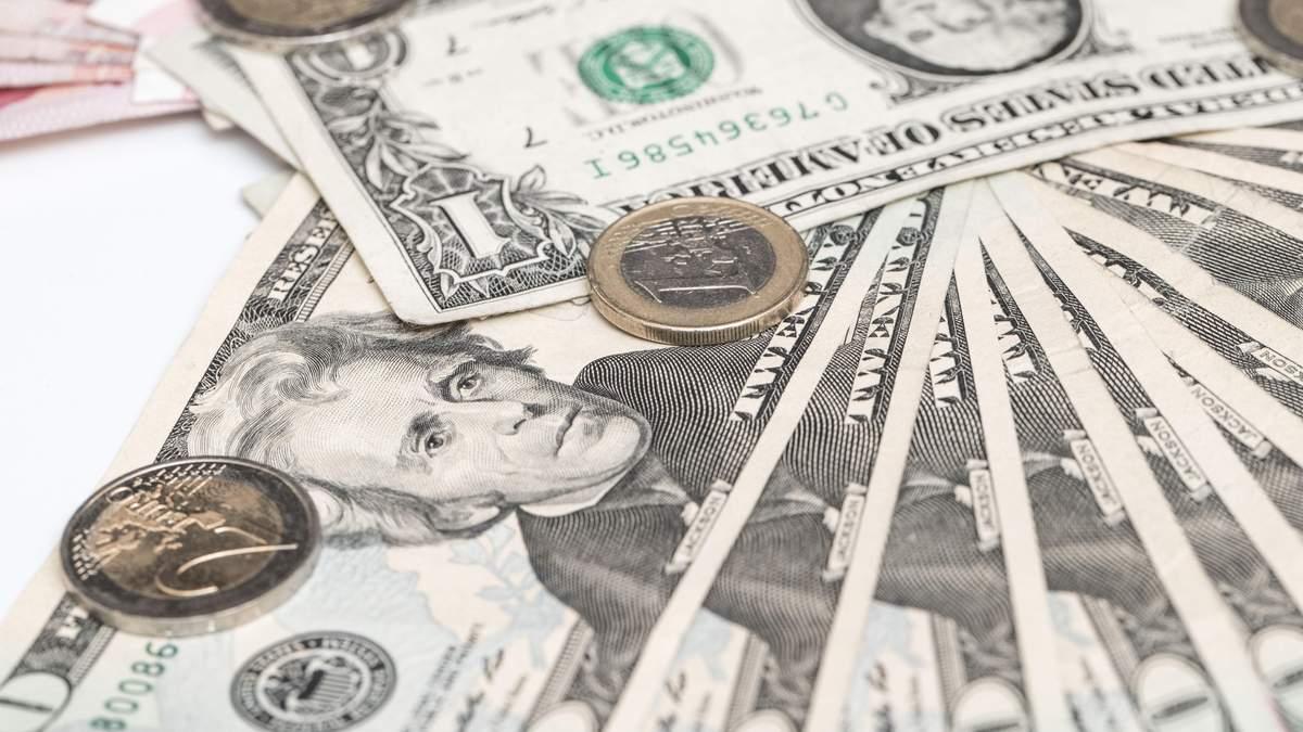 МВФ оновив прогноз курсу валют відносно гривні до 2024 року