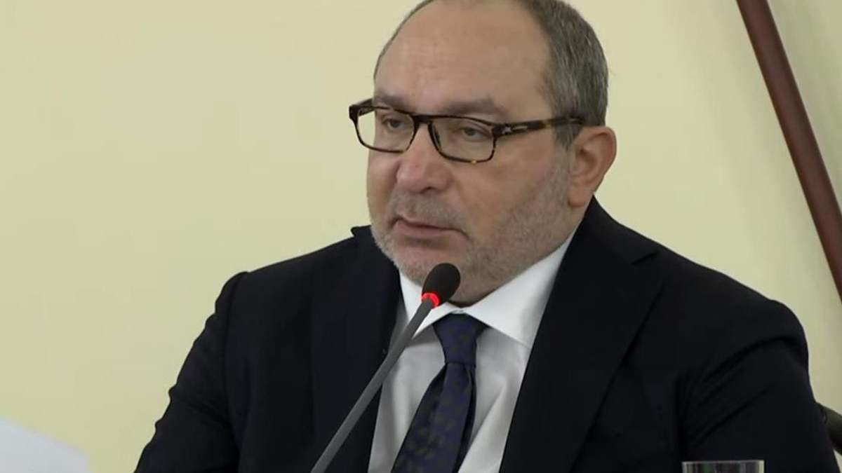 Кернес на заседании горсовета пытался говорить на украинском