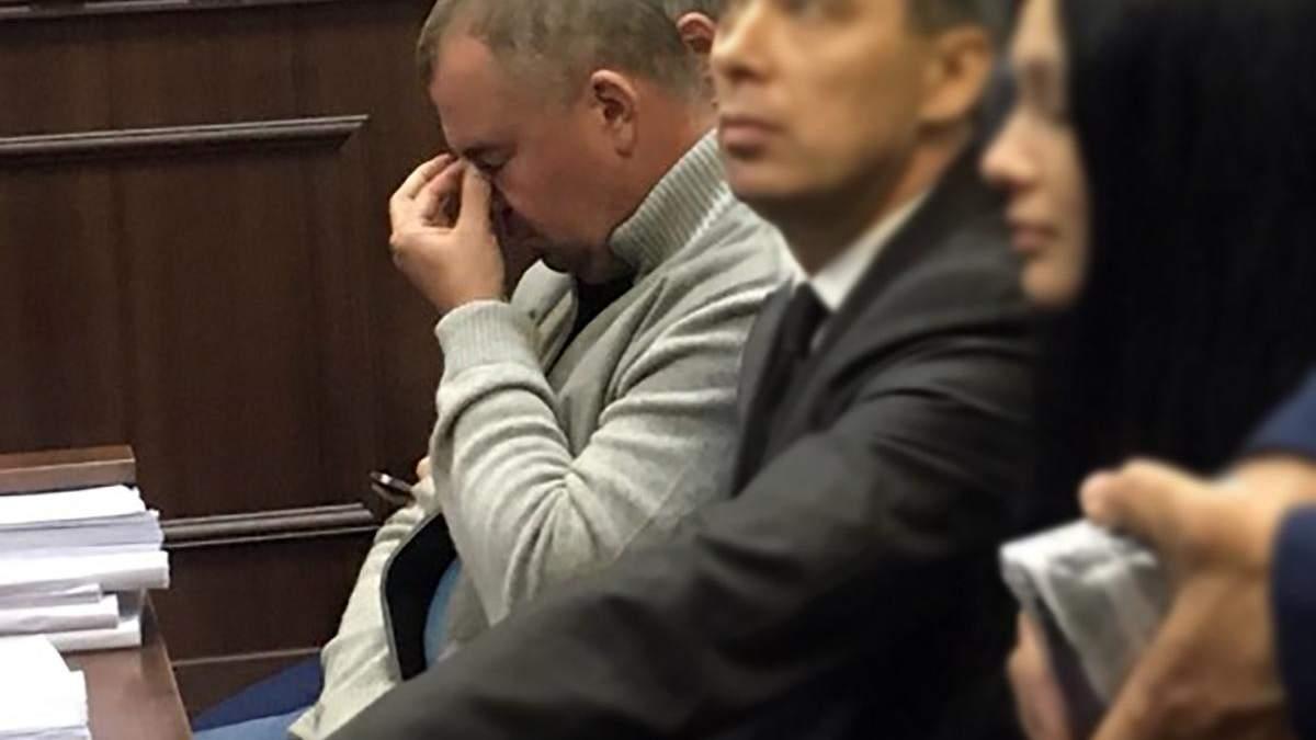 Суд избрал Олегу Гладковскому меру пресечения.