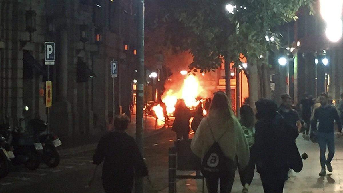 Горящие баррикады в Барселоне