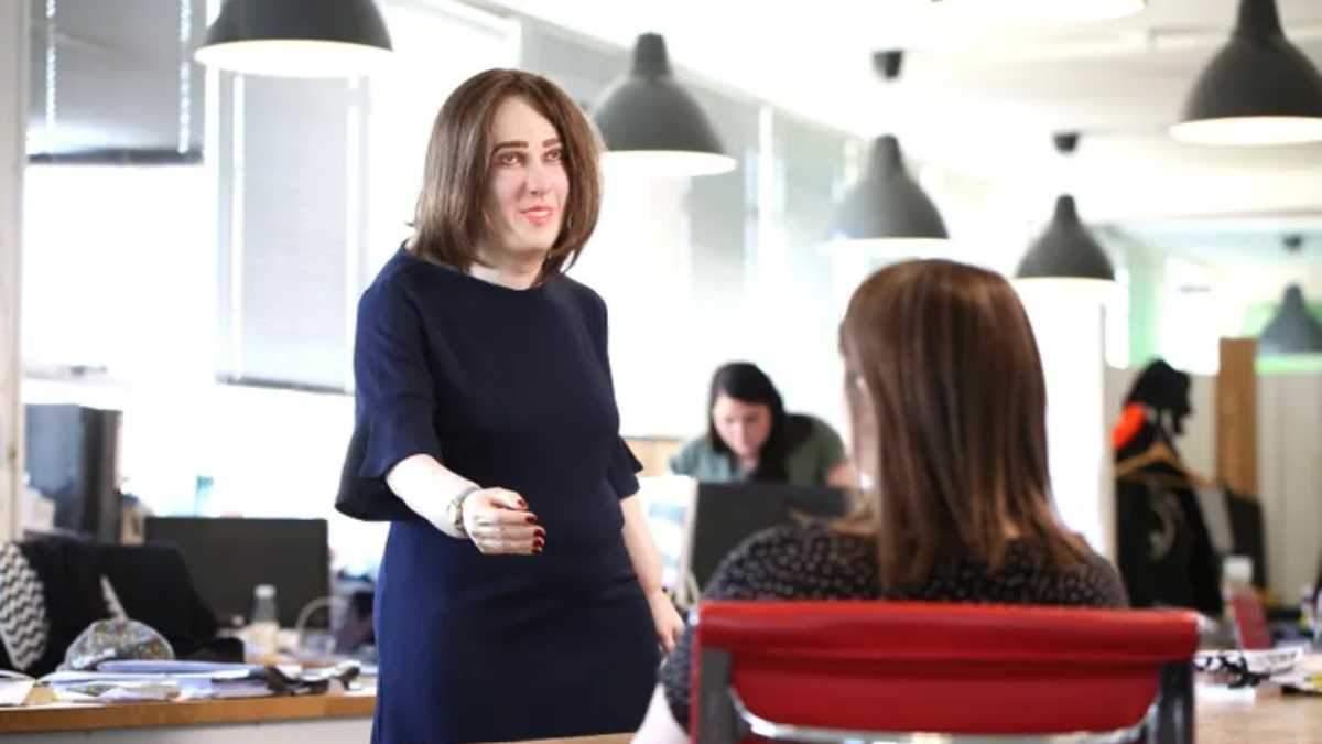 Как будет выглядеть офисный работник будущего