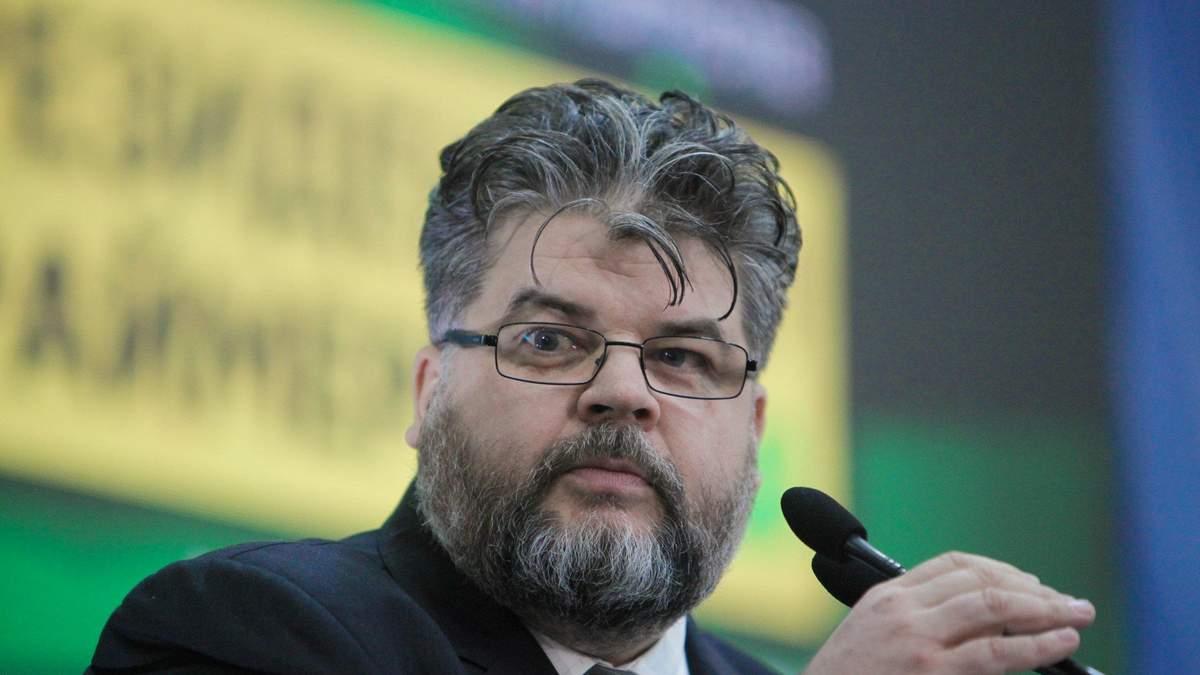 Хотів спровокувати журналістів, – Яременко про інтимну переписку з повією у Раді: фото