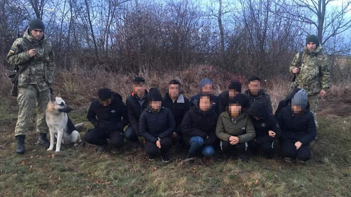 Пограничники поймали нелегалов на Закарпатье