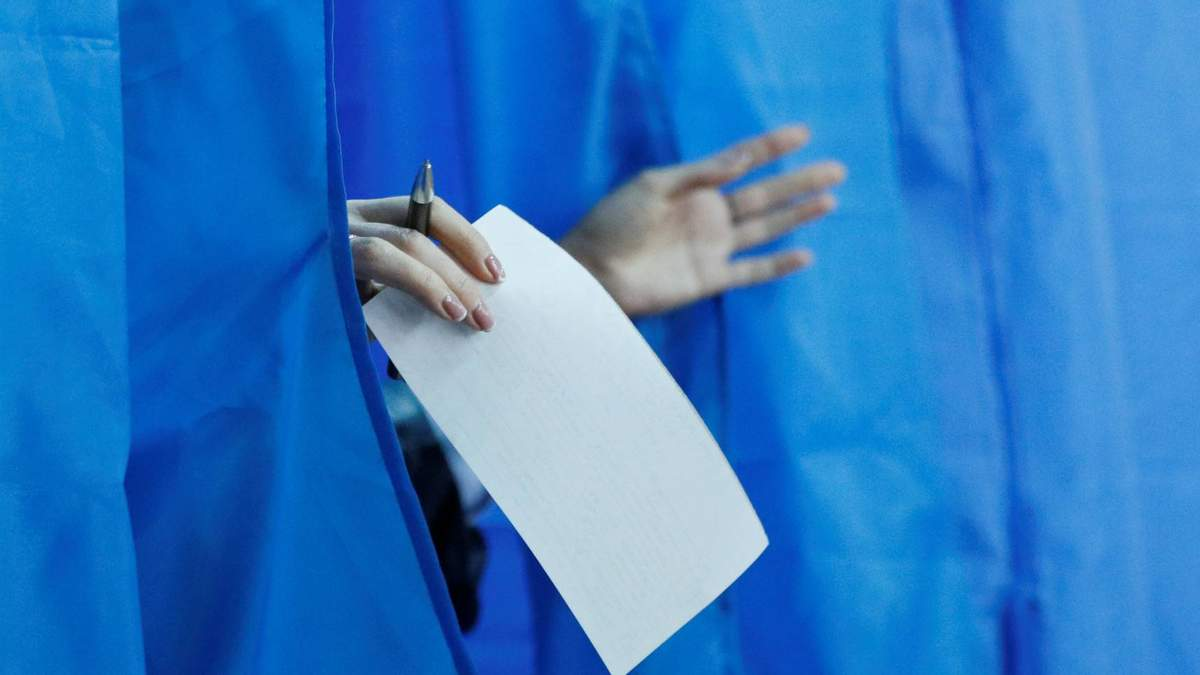 Експерт розповів, чому в Україні не можна проводити референдуми