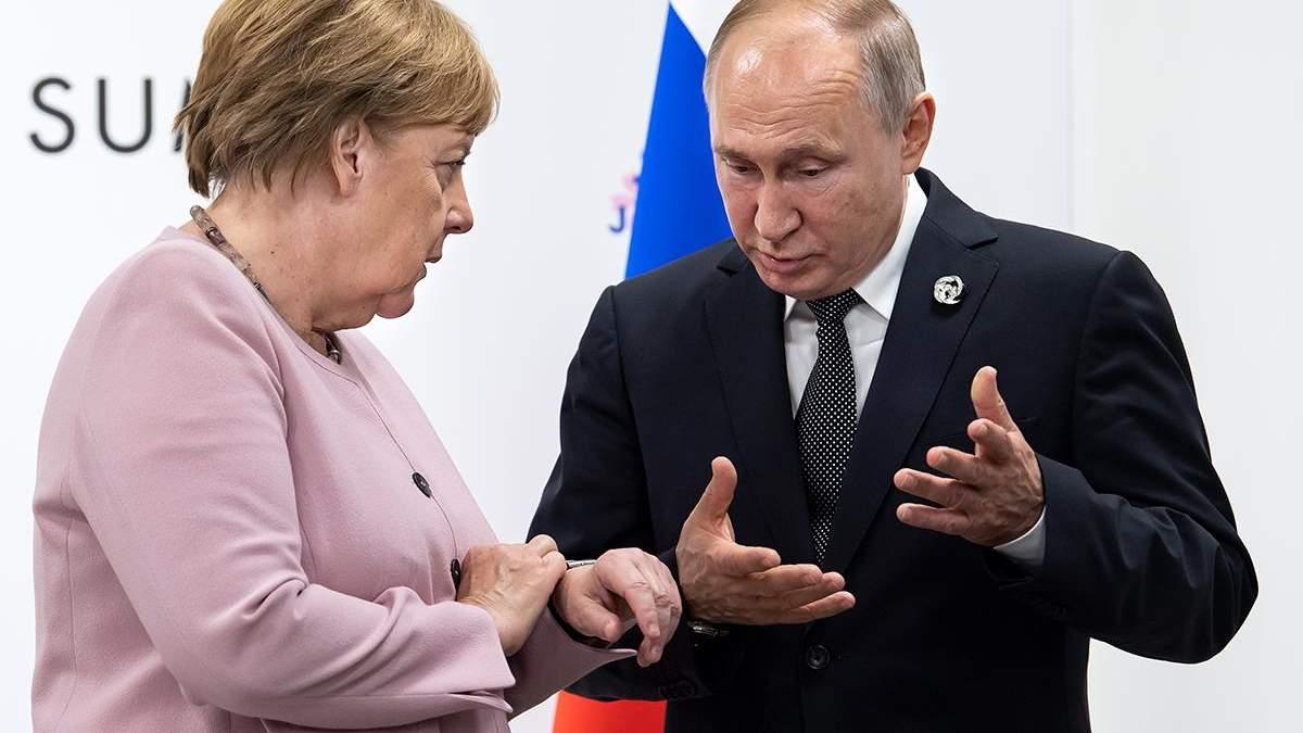 Путин с Меркель поговорили об урегулировании ситуации на Донбассе