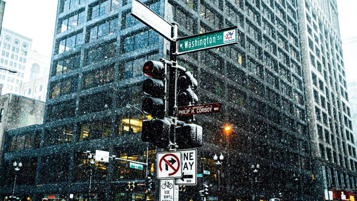 Чикаго засипало снігом
