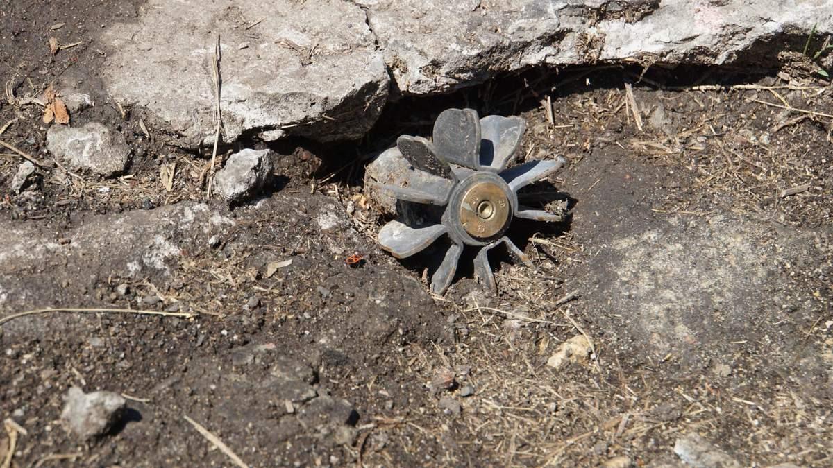 На Донбасі підірвалися двоє військових