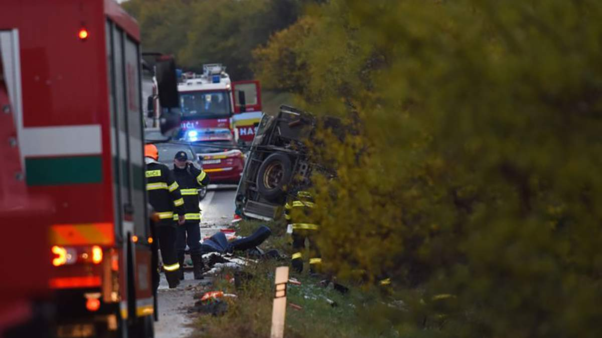 Одна з найгірших ДТП в історії Словаччини, загинули 13 осіб: фото та відео