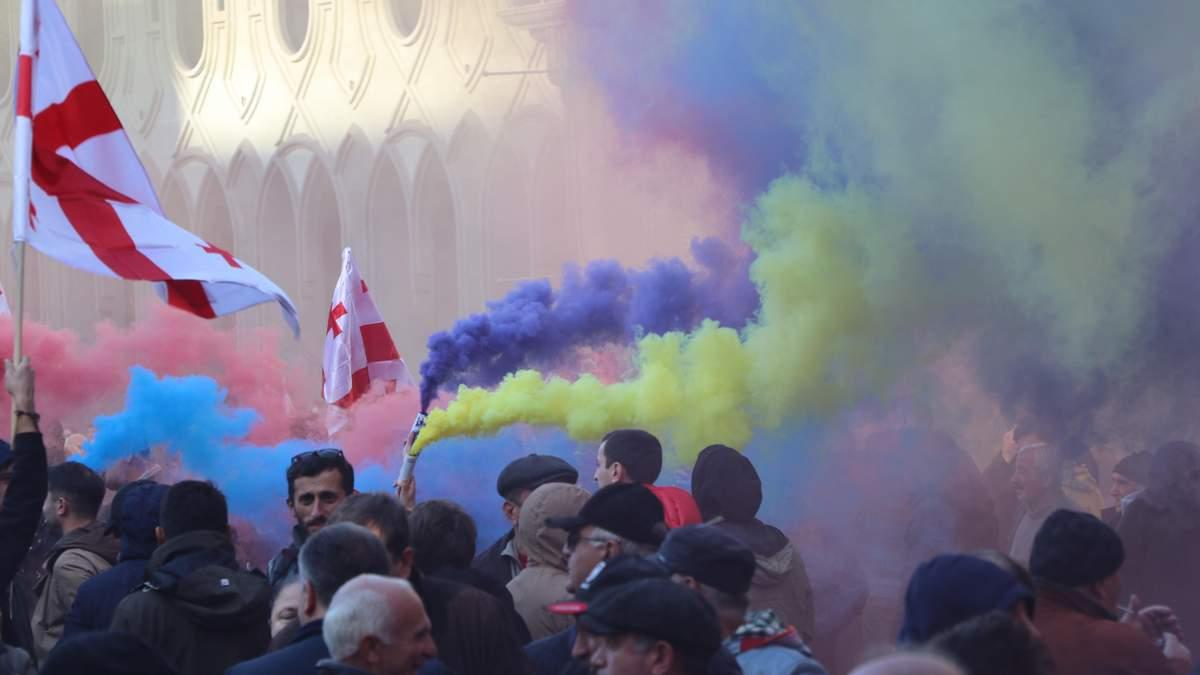 Тбилиси протестует: все, что нужно знать о митингах в Грузии