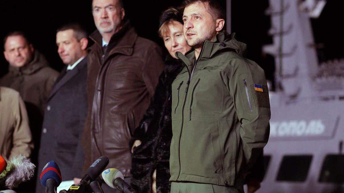Зеленский прибыл в Очаков встречать украинские корабли