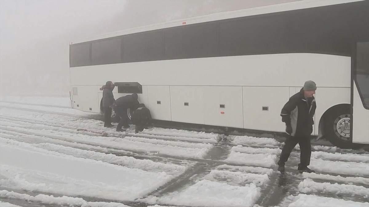 Каліфорнію неочікувано засипало снігом