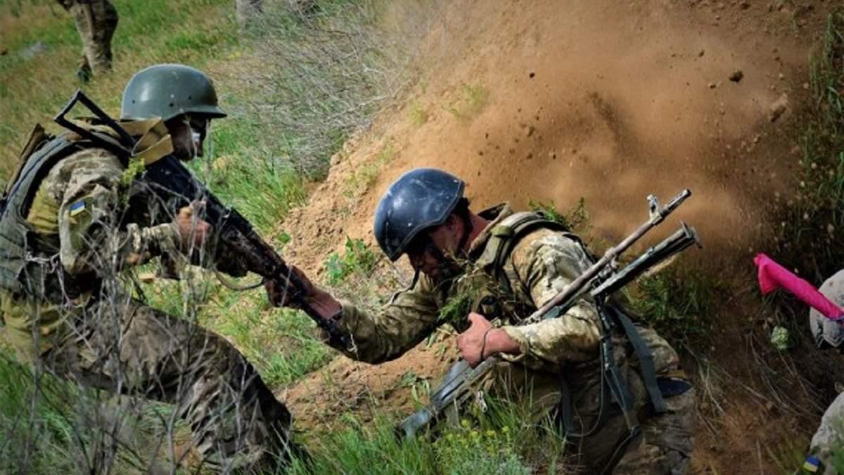 Попаданием в траншею боевики ранили сразу 6 украинских военных