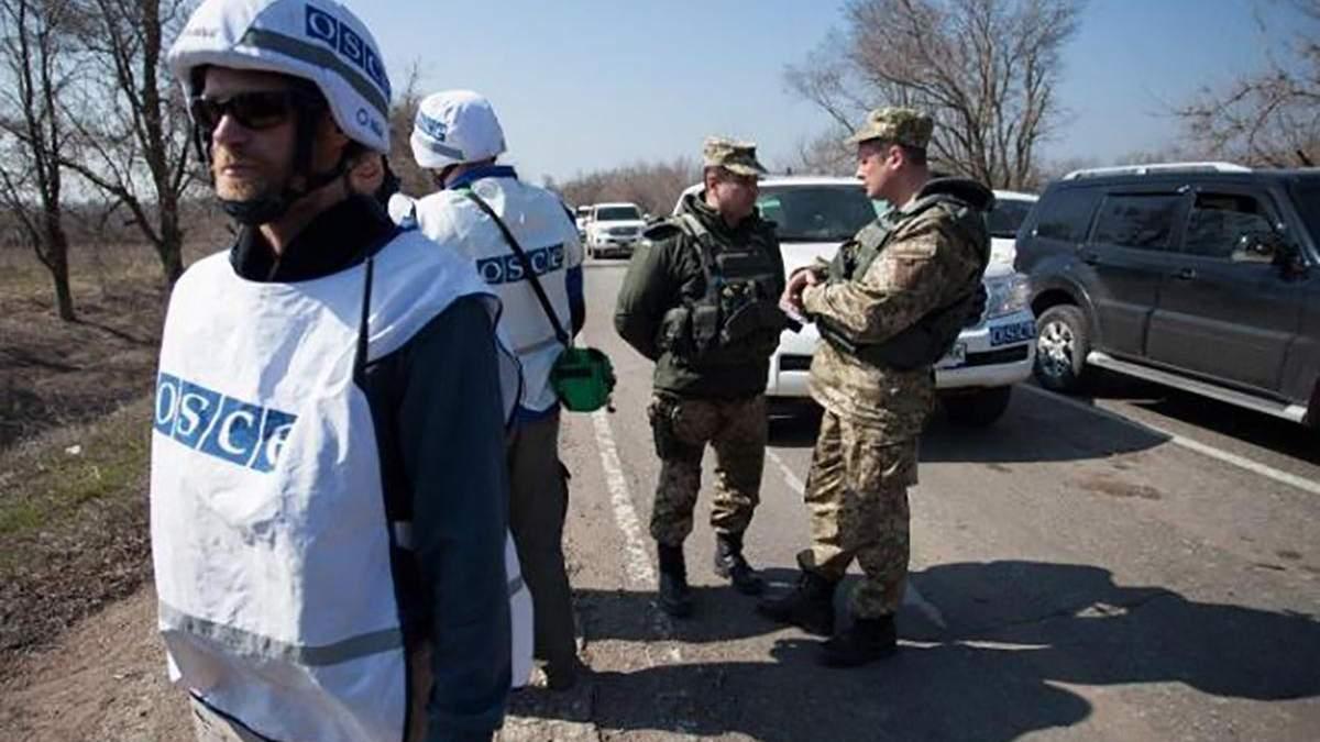Спостерігачі ОБСЄ зафіксували обстріли на ділянці розведення у Петрівському