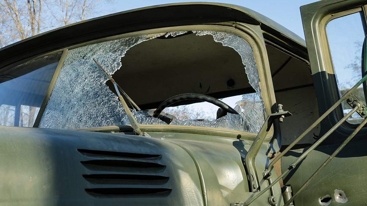 Оккупанты подбили ракетой военный автомобиль