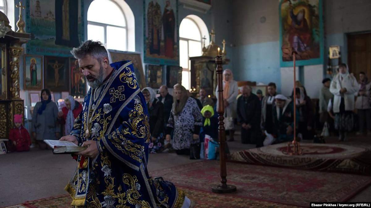 В анексованому Сімферополі прихожани ПЦУ провели жалобну панахиду по жертвах Голодомору
