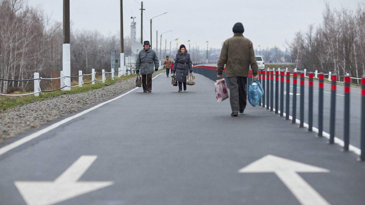 Как строили мост в Станице Луганской – видео