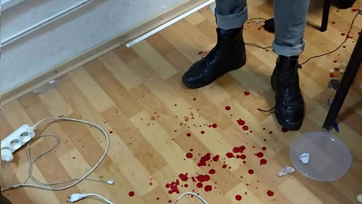 """В Днепре жестоко избили активистов в помещении """"Просвиты"""": новые подробности"""