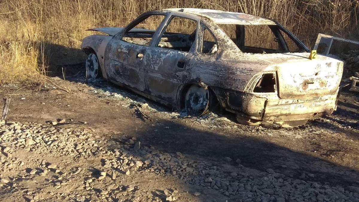 У Харкові знайшли спалений автомобіль злочинців, які підірвали машину адвоката