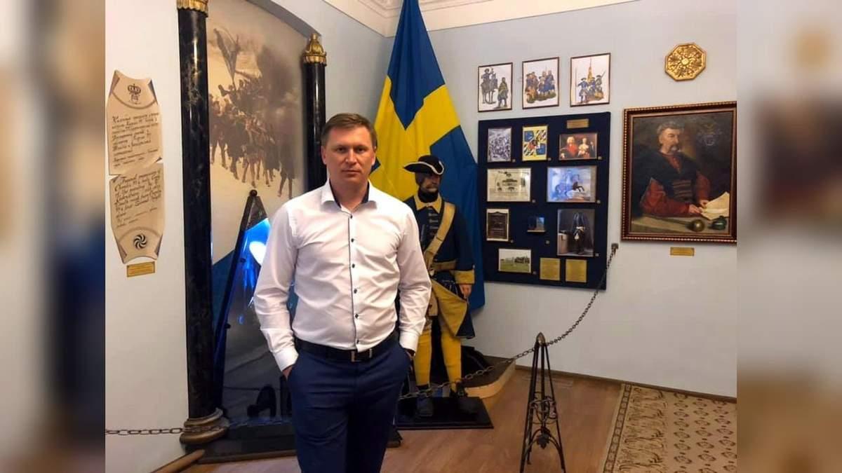 Вицемера Славянска чуть не избили в баре из-за российской попсы