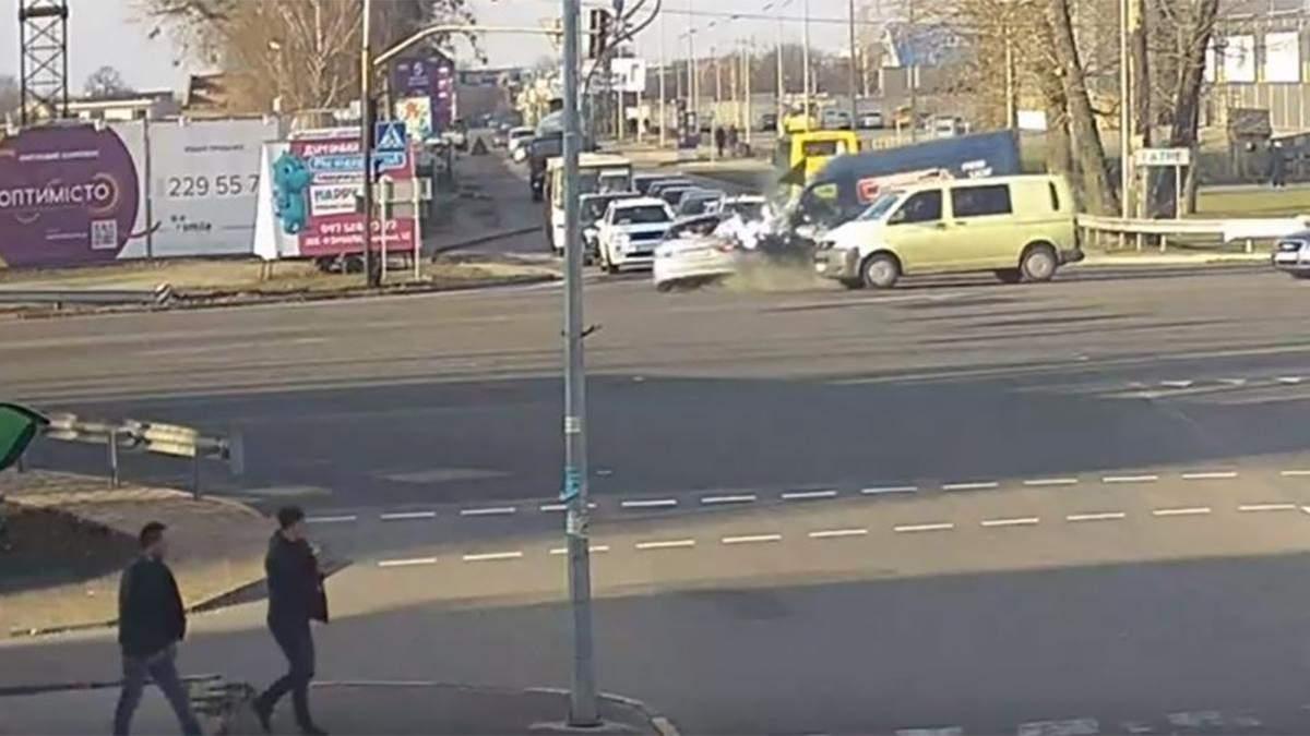 Советник Авакова: Первые данные следствия указывают на вину Кулебы в ДТП возле Чабанов
