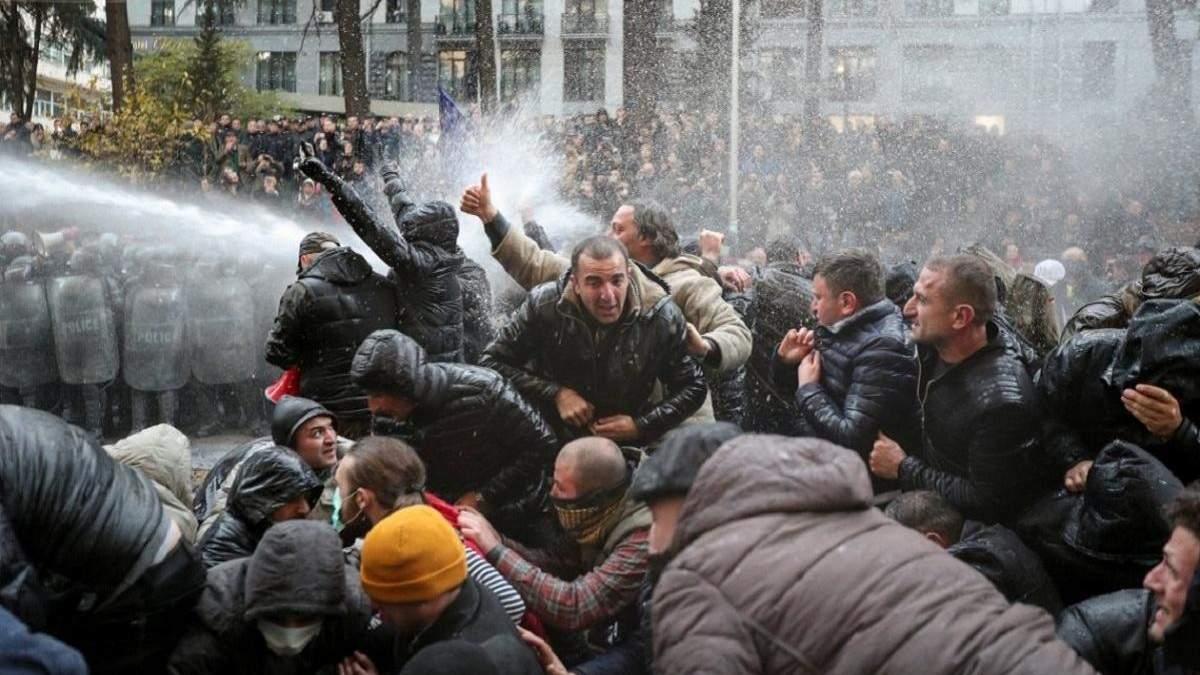 Грузинська поліція відпустила затриманих вранці протестувальників