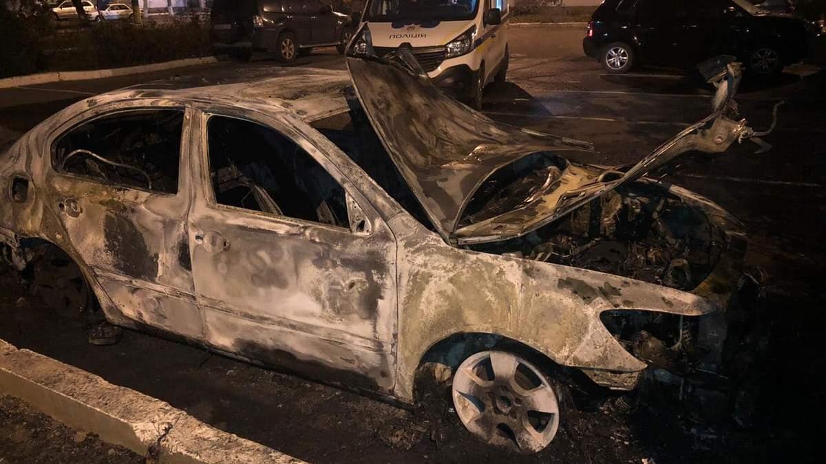 Сожженная машина семьи главы Одесской таможни