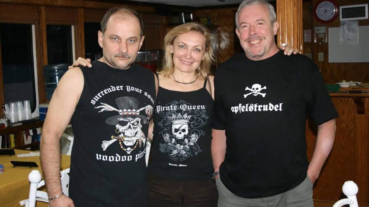 Андрей и Лариса Чивурины с музыкантом Макаревичем