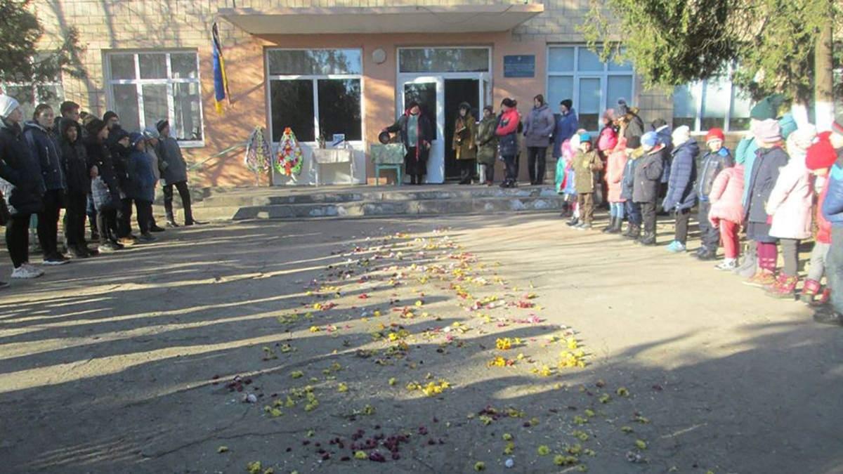 Пожар в колледже на Троицкой в Одессе: похоронили первую жертву – фото