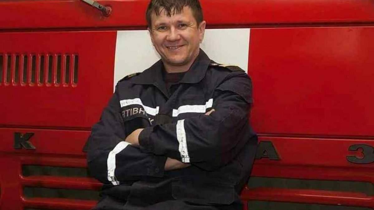 Пожар в Одессе на Троицкой в колледже 04.12.2019: умер спасатель