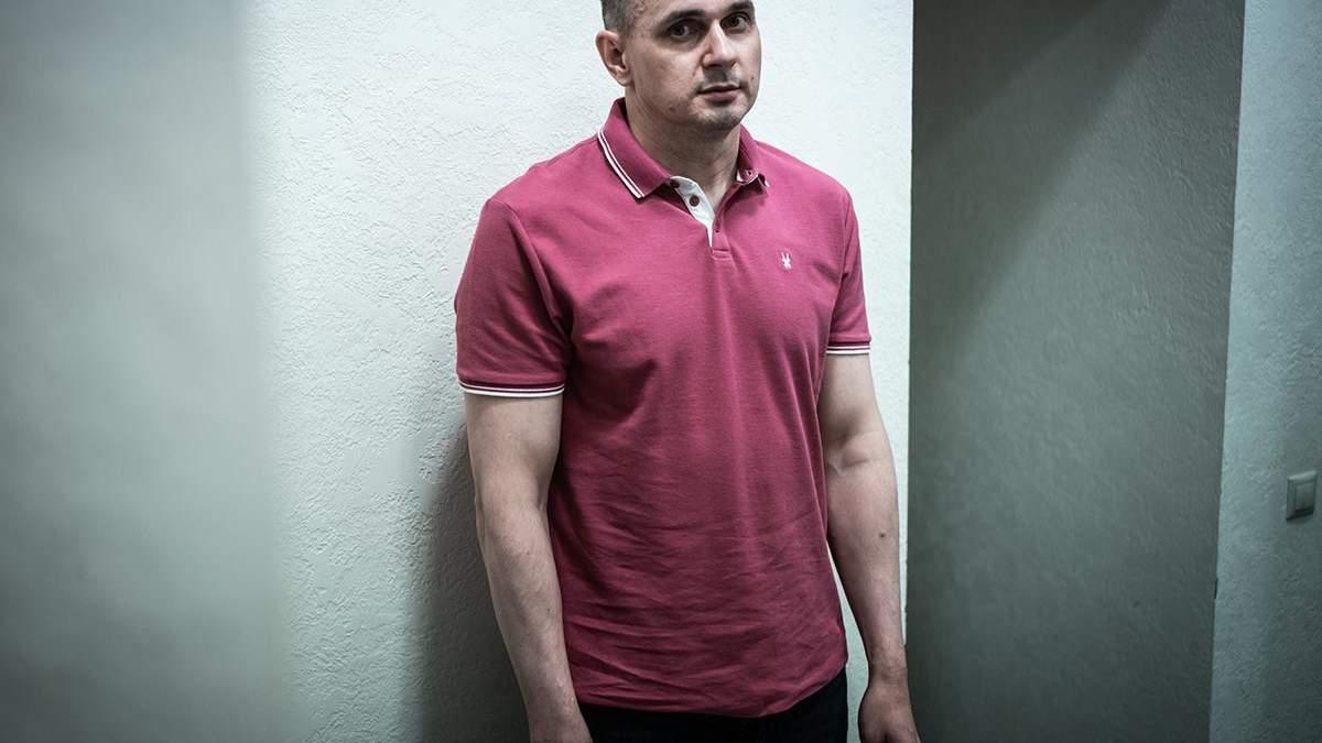 Олег Сенцов встав на військовий облік: фотодоказ
